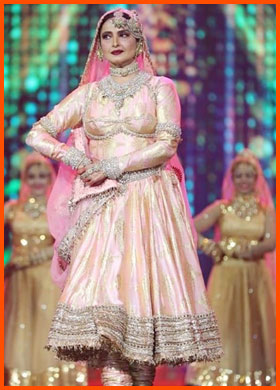 Rekha's performance at IIFA Awards 2018, Salaam-e-Ishq
